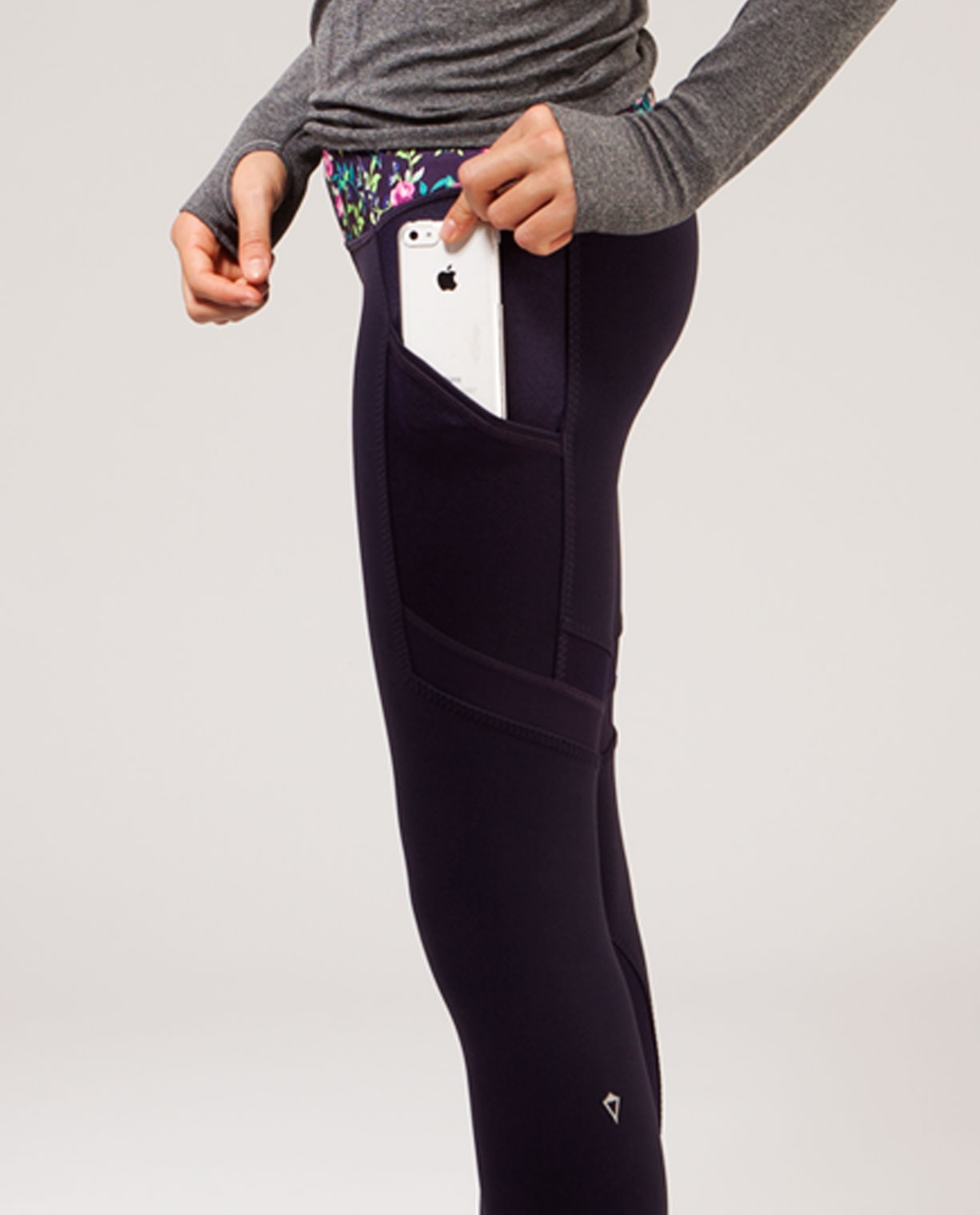 3244db9a1e3f5f LEGGINGS WITH SIDE POCKET on The Hunt